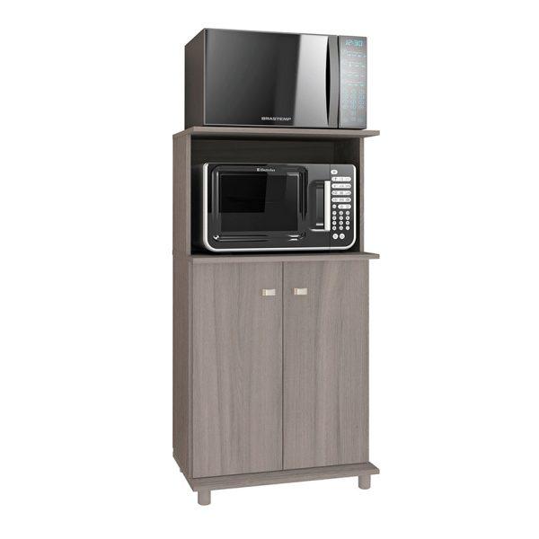 El mueble de cocina Almería ofrece tres estantes, dos con puerta que permiten almacenar gran cantidad de elementos