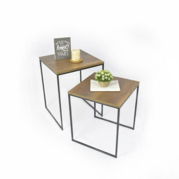 Mesas auxiliares en madera color mácula