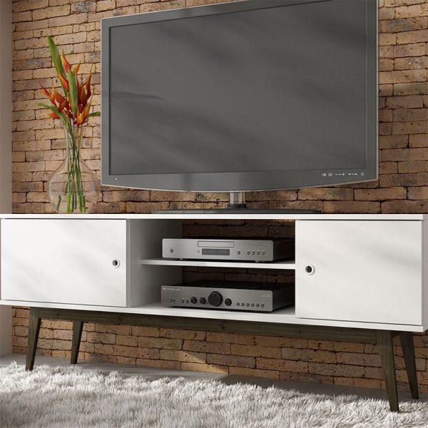 """La mesa de tv 50"""" Niagara se ajusta a las necesidades de un centro de entretenimiento con amplios estantes para elementos electrónicos"""