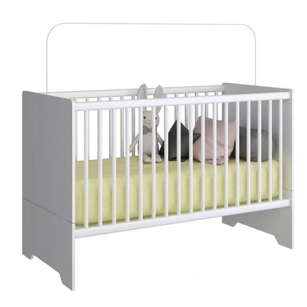 Cuna cama que cuenta con tres funciones diferentes